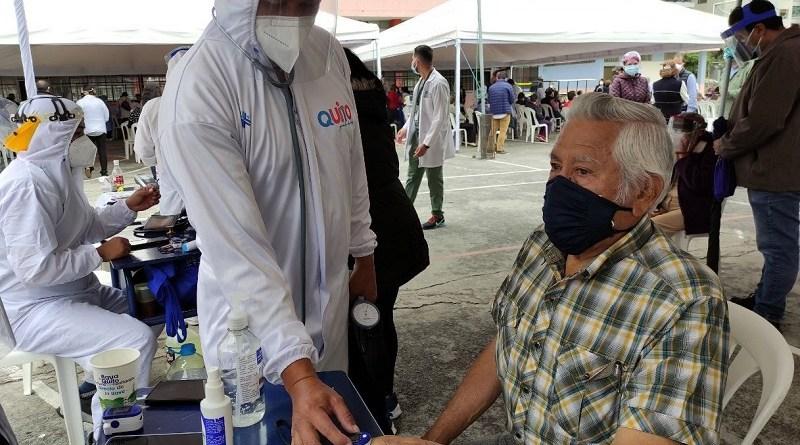 Salud municipal ha vacunado a más de 100 mil habitantes en Quito