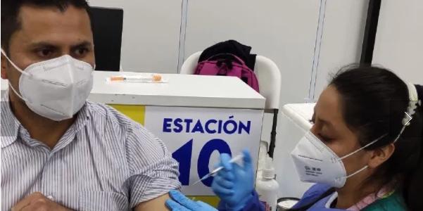 En el CAT ´Quito Solidario´ continúan las jornadas de vacunación