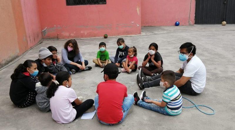 Niños del barrio La Cristianía fortalecen su autoestima y autoimagen