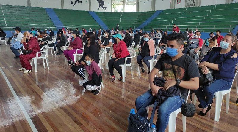 Comerciantes de Chiriyacu reciben dosis de vacuna contra la COVID-19