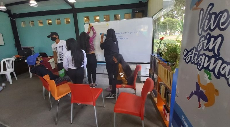Adolescentes de Zona La Mariscal aprenden manejo de emociones