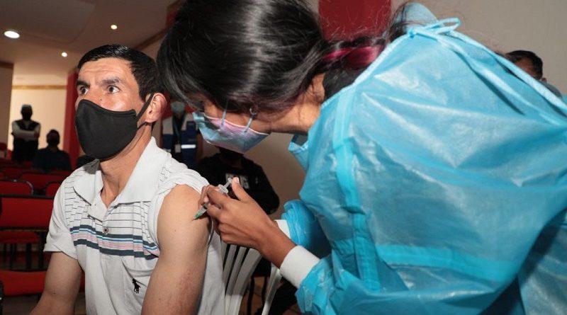 Brigadas municipales aplicaron más de medio millón de dosis contra la COVID-19