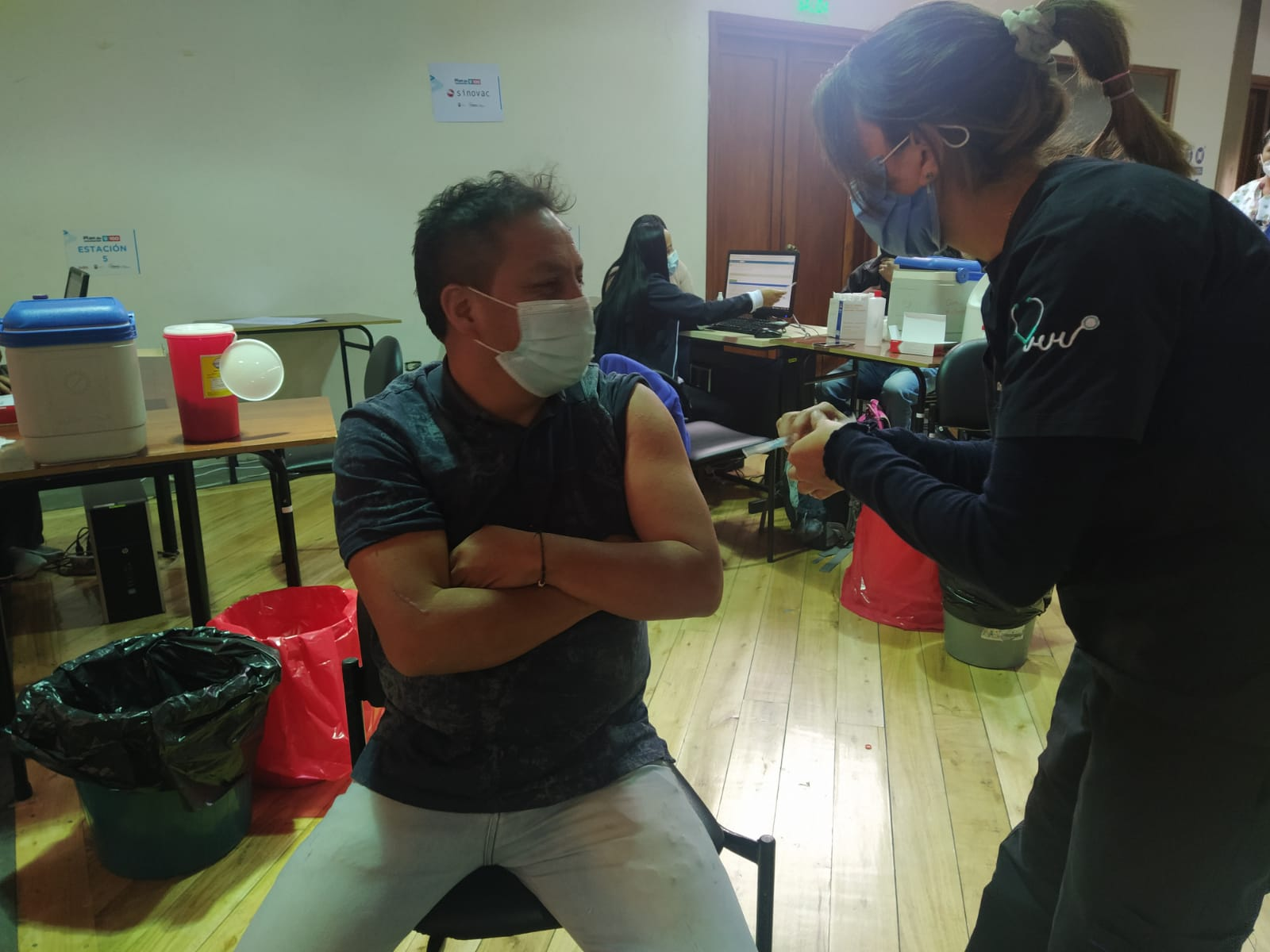 En Casa Somos San Marcos se inmuniza con CanSino