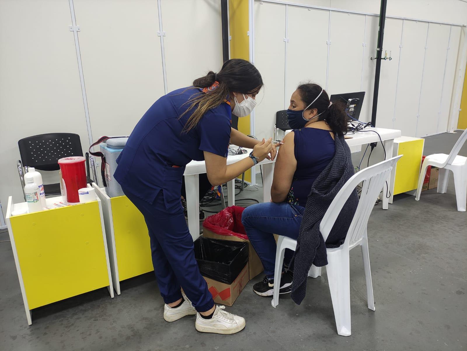 Brigadas municipales aplican vacunas: Pfizer, Sinovac, AstraZeneca y CanSino